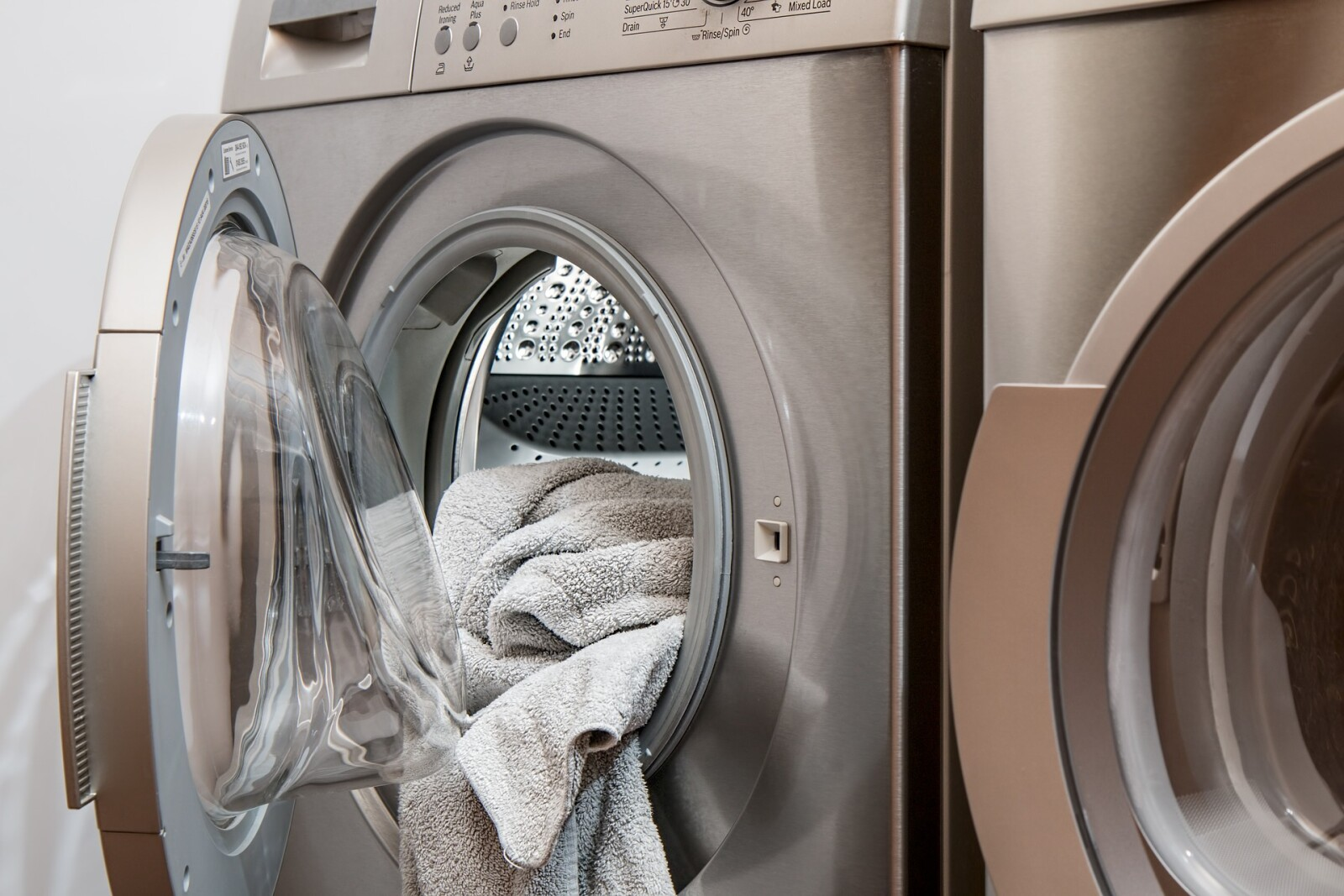 Detoxing Your Laundry Room
