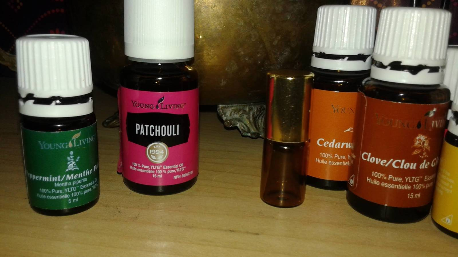 Natural Perfumes and Colognes with Essential Oils.